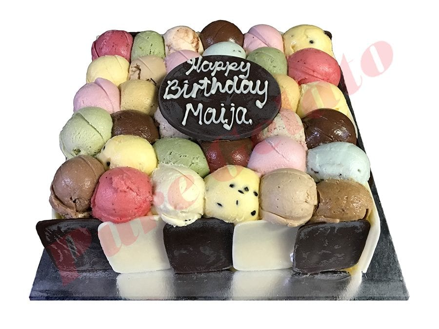 Scoop Choc+White Choc Sides 20 Person Size Square