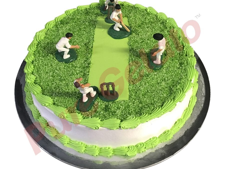 Sports-field-Cake-Full-Cricket-field-smooth-Cream-Green-piping