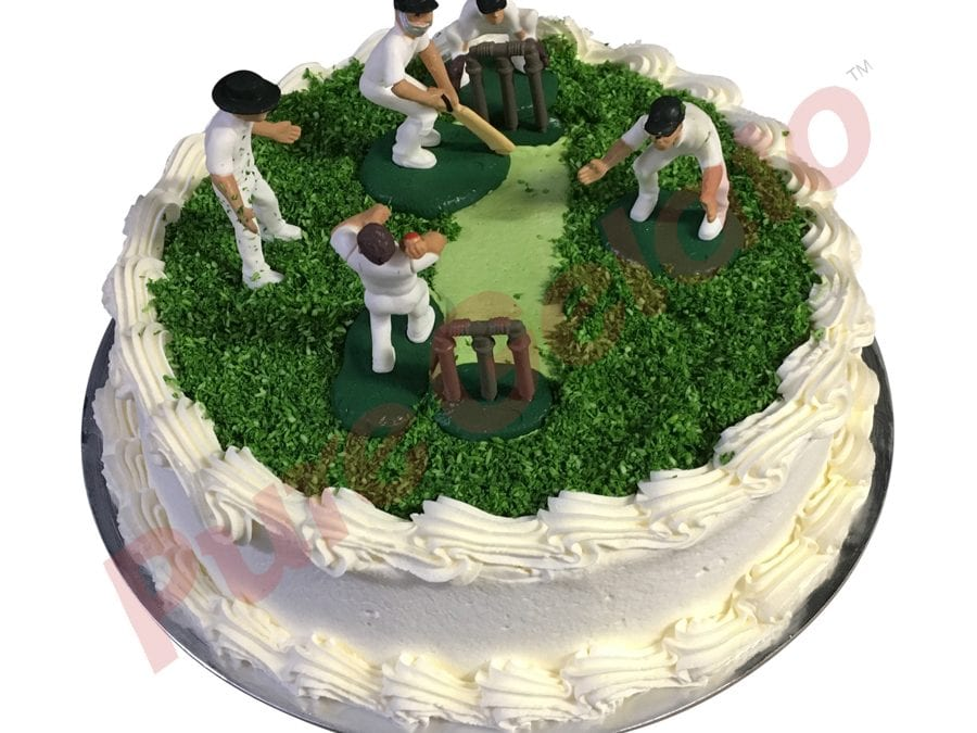 Sports-field-Cake-Full-Cricket-field-smooth-Cream-White-piping