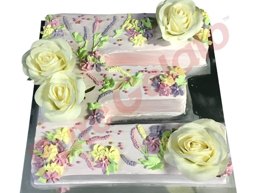 Letter Cake E Cream piped flowers baby pink Cream+Flowers