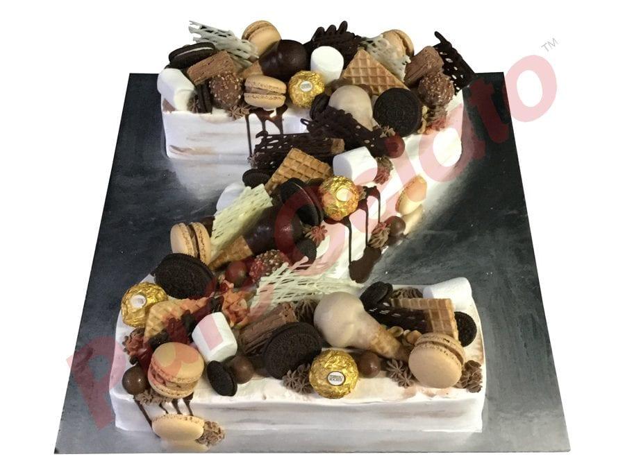 Naked cake white Cream Letter Z Full cluster