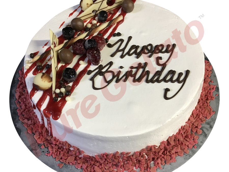 Smooth white Cream Strawberry river Cake